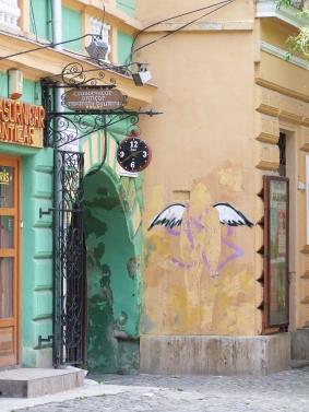 graffiti-angel-street-art